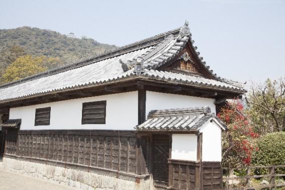 歴史ある漆喰壁