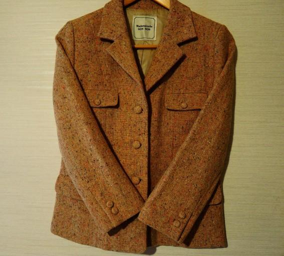 ツイード生地のジャケット