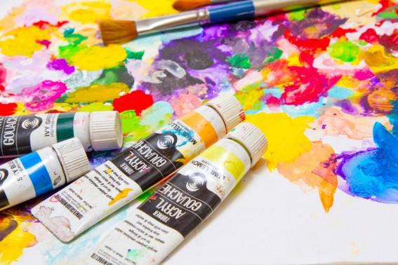 色選びは楽しい反面、迷いが生じやすいものですね。