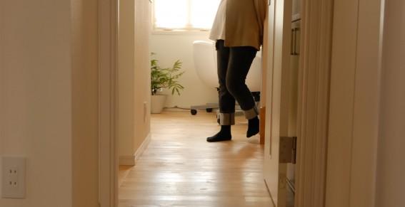 無垢材フローリングは床暖房が使えるのか