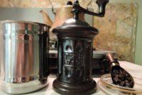 珈琲豆と職人道具